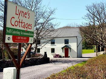 Lyne's Cottages